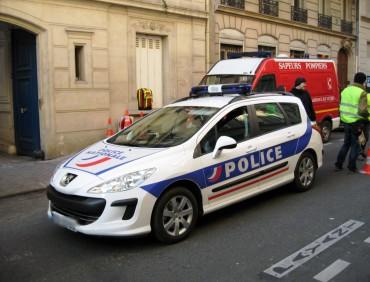 CINE AUTOMOBILES  peugeot 308 break police flouté