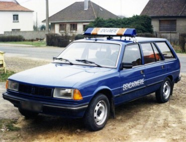 peugeot-305-break-gendarmerie